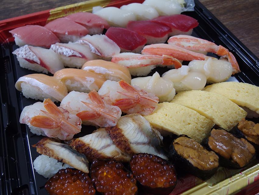 【はま寿司】年末年始限定お持ち帰り寿司のネタのレベルが高かった
