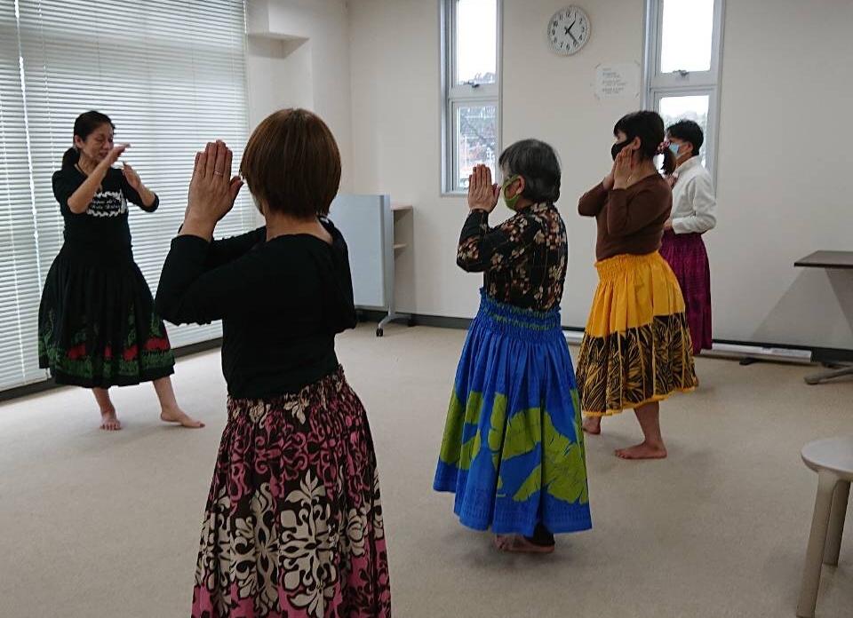 世界で一番美しい踊りと言われるフラ【ナプアアリーフラハーラウ】体験してみた